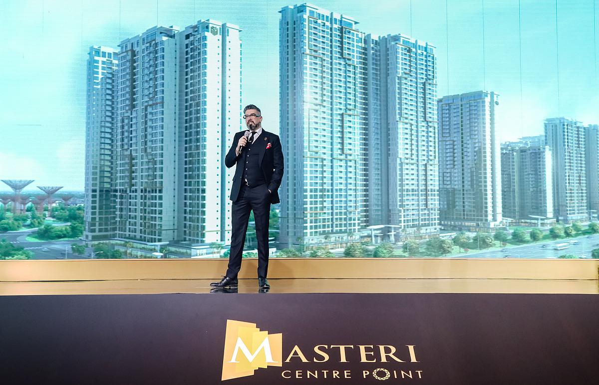 Ông Gibran Bukhari - Giám đốc khối Kinh doanh Masterise Homes chia sẻ về những lợi thế tiềm năng của dự án. Ảnh: Masterise Homes.