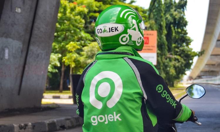 Tài xế xe máy Gojek.