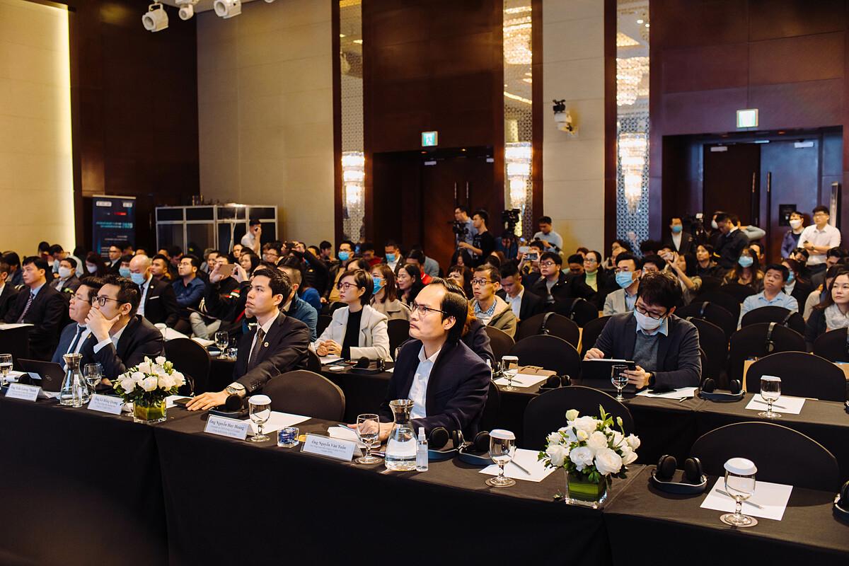 Các đại biểu tham dự Ngày Chuyển đổi số Việt Nam 2020. Ảnh: Bizfly.