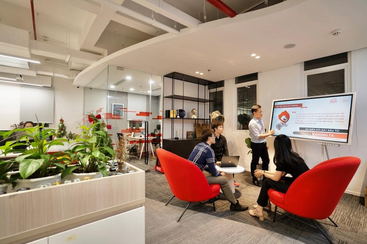 Các góc thảo luận, phòng làm việc nhóm được trang bị màn hình tương tác, công nghệ hiện đại, thúc đẩy tinh thần sáng tạo tại Generali. Ảnh: Generali Việt Nam.