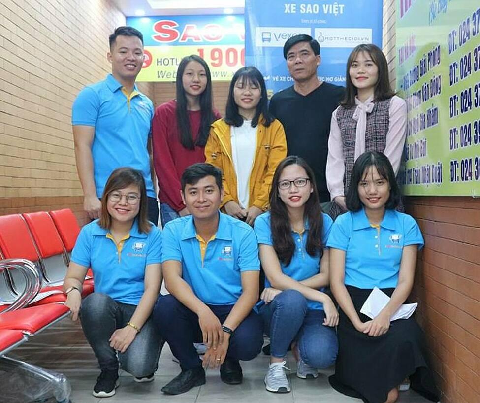 Vexere trao tặng vé 0 đồng cho sinh viên tại nhà xe Sao Việt năm 2018. Ảnh: Vexere.