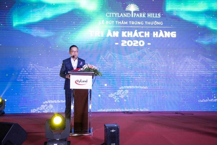 Ông Nguyễn Hoài Nam - Phó tổng giám đốc công ty CityLand phát biểu tri ân khách hàng tại sự kiện chiều 29/12. Ảnh: CityLand.