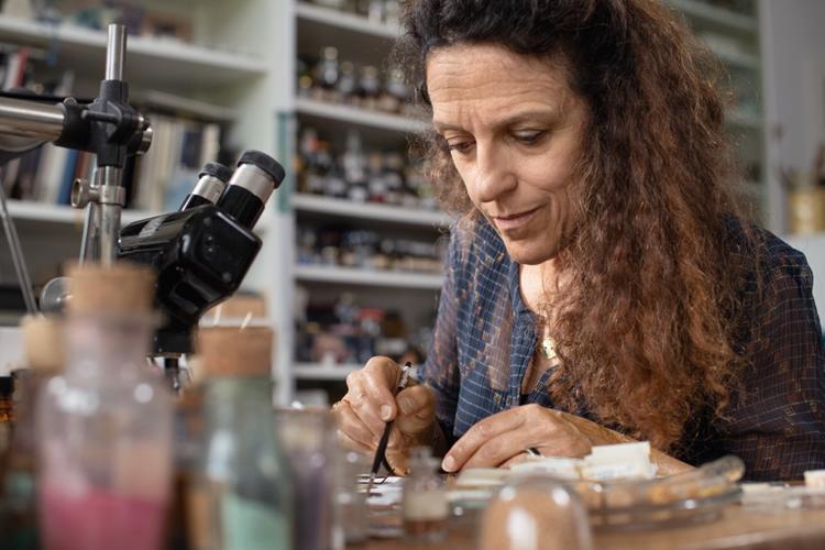 Anita Porchet – Nghệ nhân bậc thầy về kỹ thuật tráng men