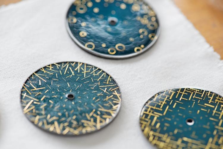 Ngoài ba phiên bản này, xưởng nghệ thuật của Anita Porchet cũng sẵn sàng tạo ra một mặt số tráng theo theo yêu cầu cá nhân của khách hàng.