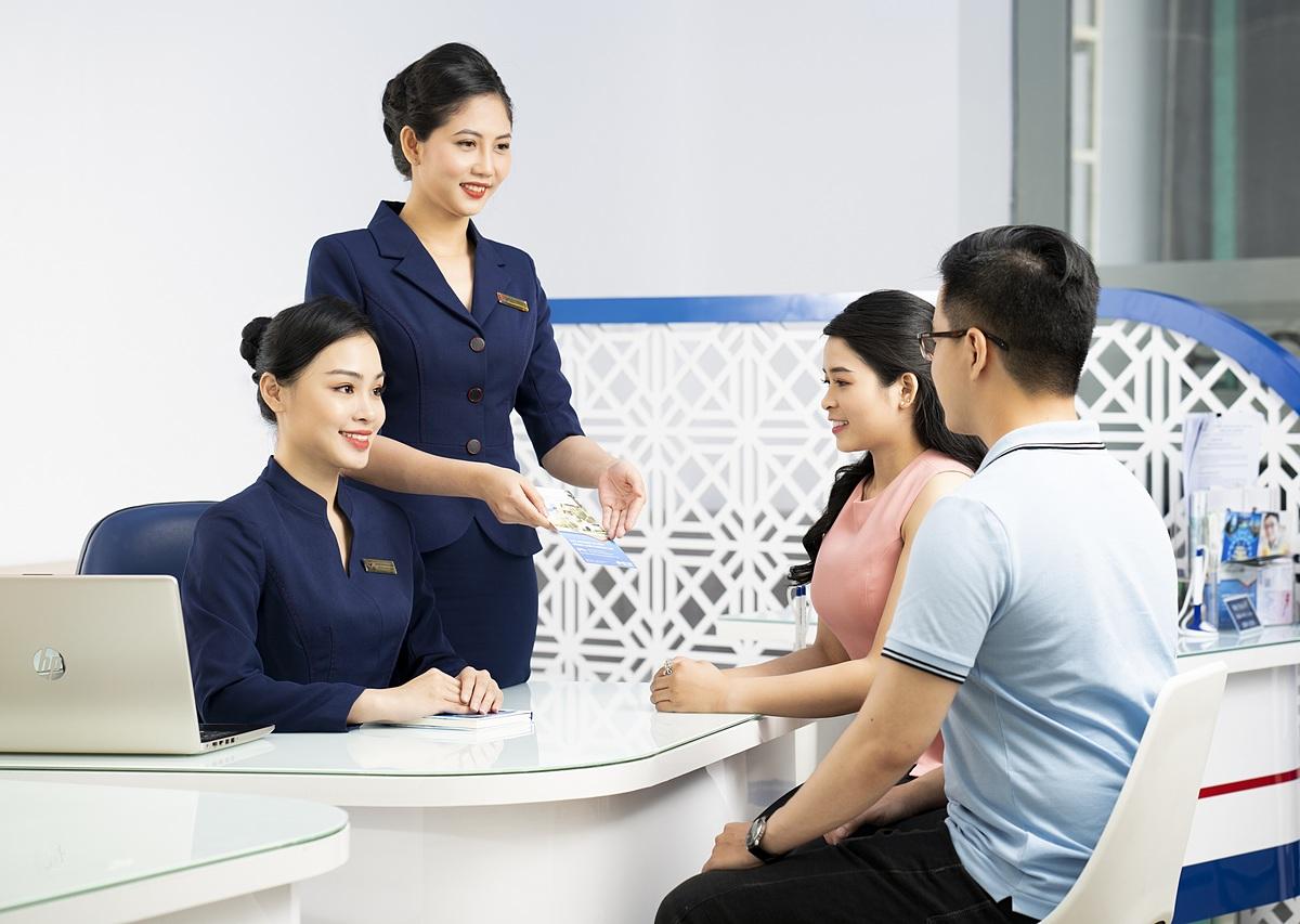 Thông tin chi tiết về thể lệ các chương trình khuyến mại của SCB xem tại đây, liên hệ hotline: 19006538 - 1800545438 hoặc đến điểm giao dịch SCB để được tư vấn về các sản phẩm dịch vụ, chương trình ưu đãi.