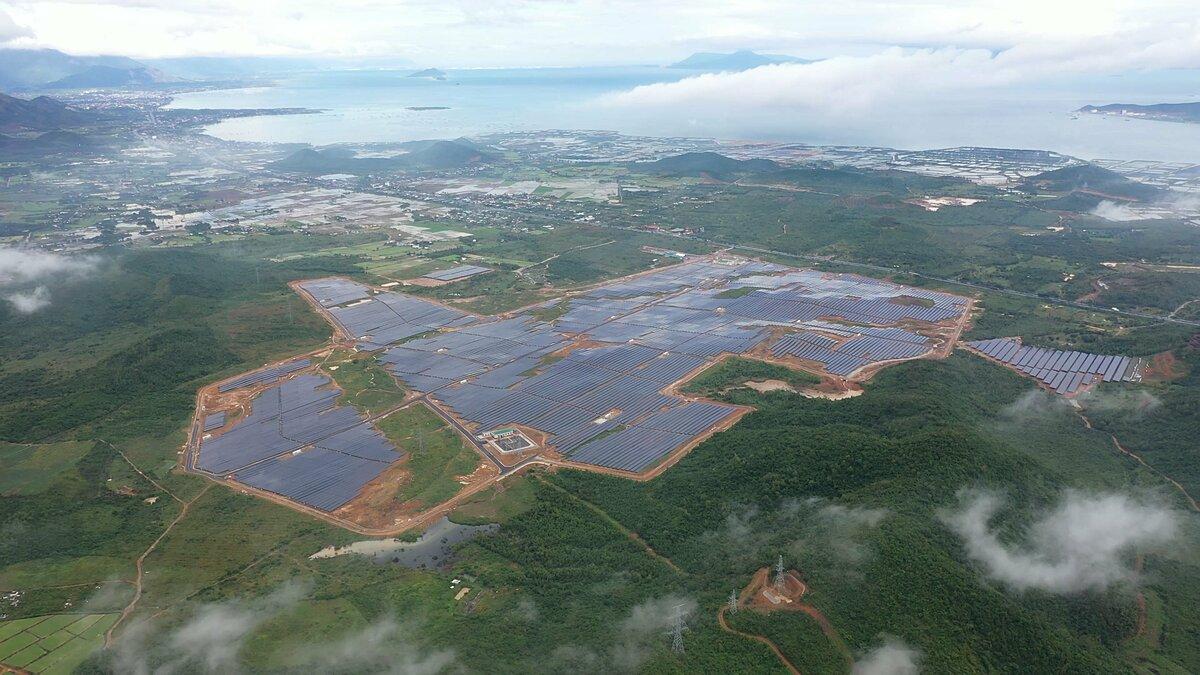 Dự án nhà máy điện mặt trời KN Vạn Ninh được xây dựng trên diện tích 120 ha. Ảnh: KN Vạn Ninh.
