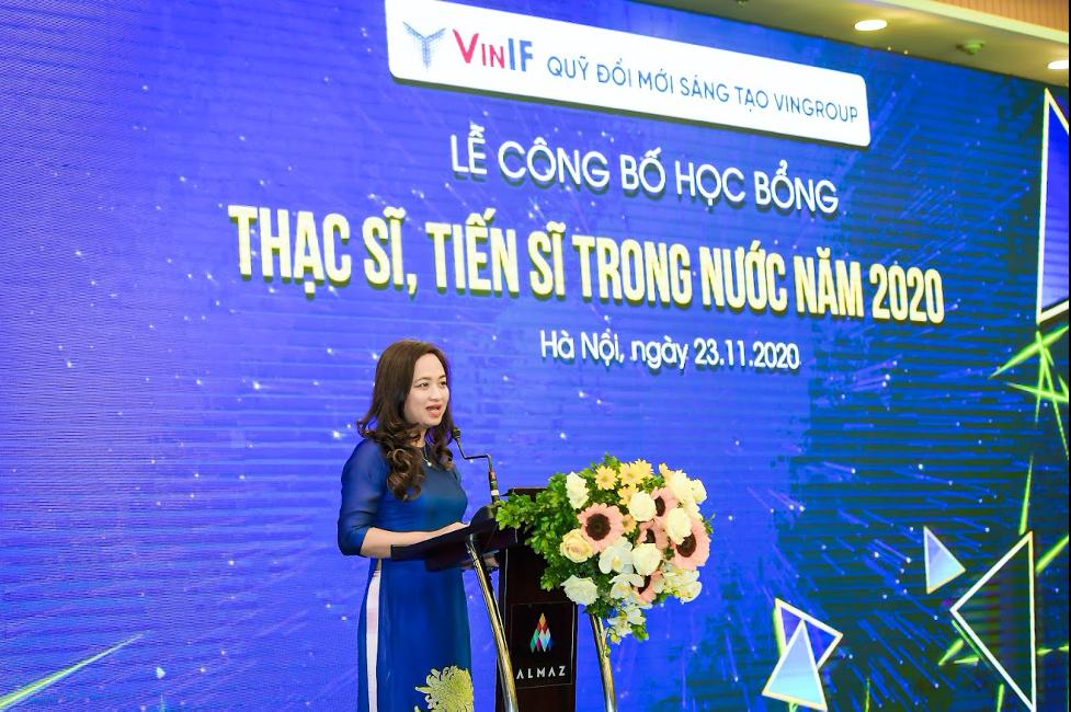 PGS TSKH Phan Thị Hà Dương - Giám đốc Điều hành Quỹ Đổi mới sáng tạo Vingroup, phát biểu tại Lễ công bố học bổng Thạc sĩ, Tiến sĩ trong nước năm 2020.