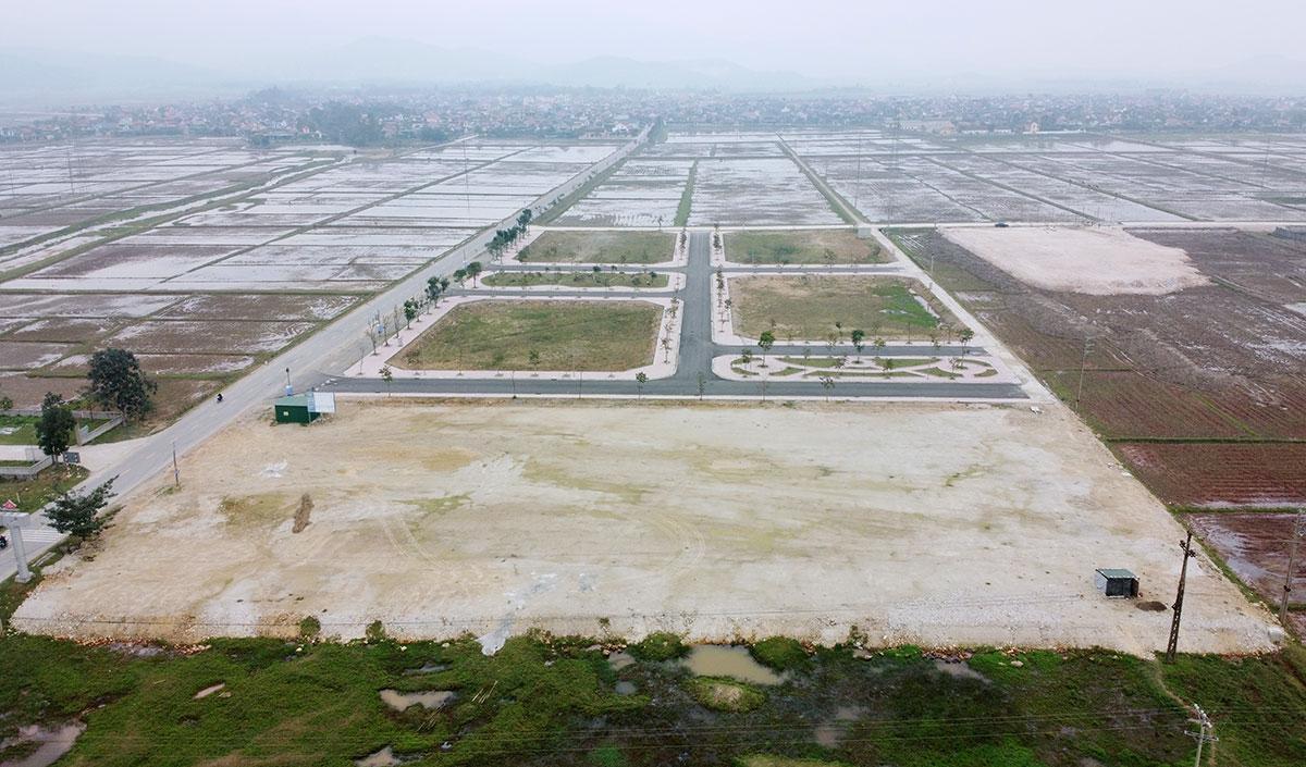 Khu đất xây dựng cụm công nghiệp ở huyện Can Lộc. Ảnh: Đức Hùng