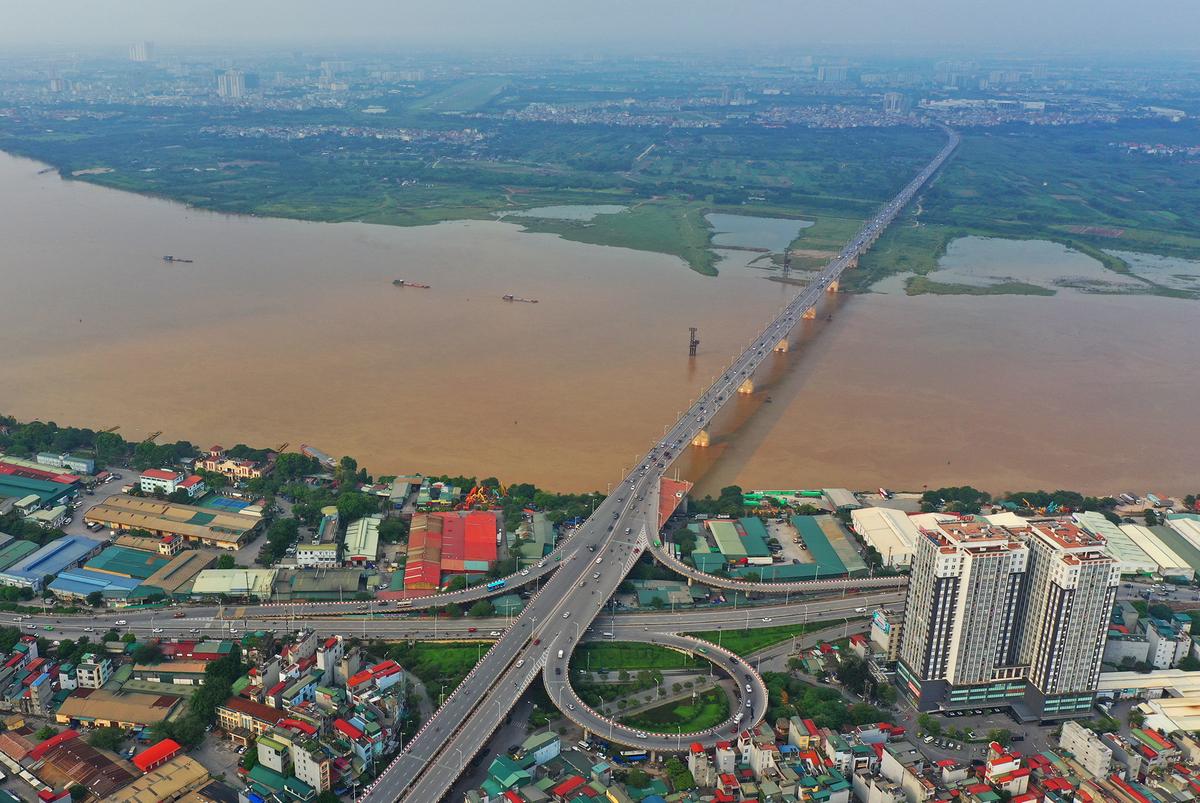 Cầu Vĩnh Tuy nhìn từ trên cao. Ảnh: Ngọc Thành