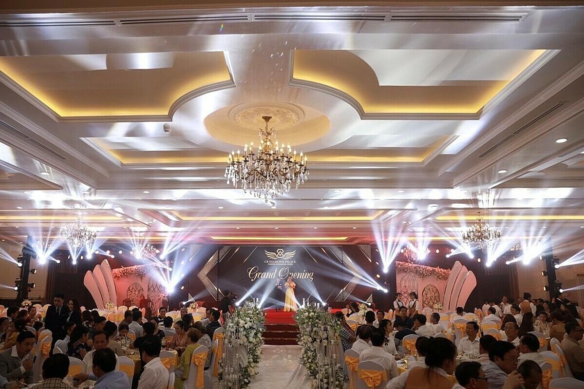 Hệ thống sảnh tiệc rộng lớn tại CB Diamond Palace. Ảnh: Lê Vinh.