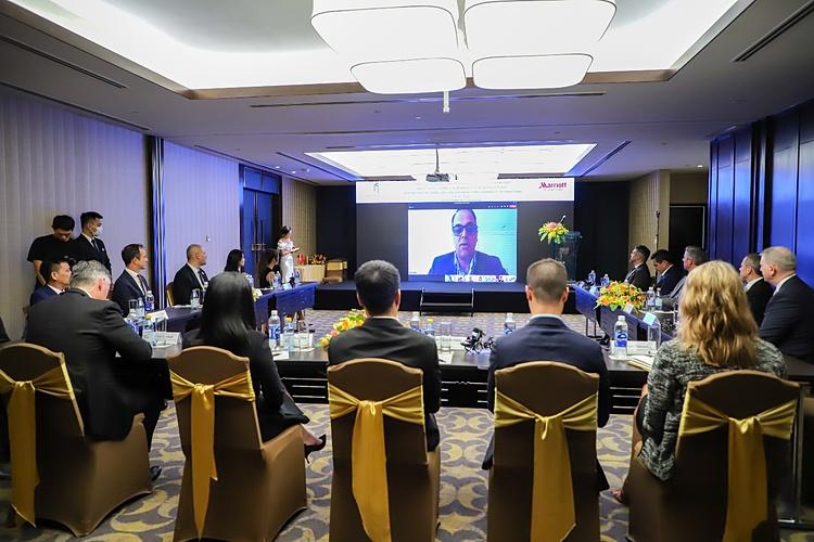 Ông Rajeev Menon –  Chủ tịch tập đoàn Marriott International khu vực Châu Á Thái Bình Dương (không bao gồm Trung Quốc) phát biểu tại lễ ký kết