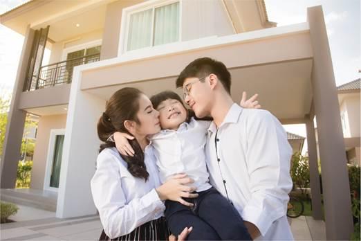 PRU-Hành trang trưởng thành giúp bố mẹ lập kế hoạch tài chính linh hoạt, đồng hành cùng con trong mọi cột mốc quan trọng của cuộc đời. Thông tin chi tiết xem tại đây.