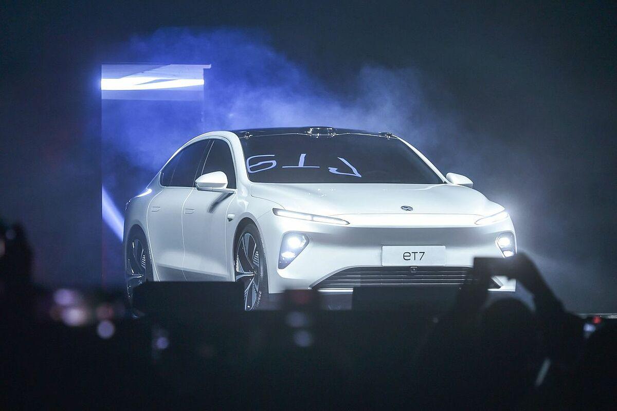 Nio công bố chiếc sedan ET7 của mình tại sự kiện hôm 9/1. Ảnh: Getty.