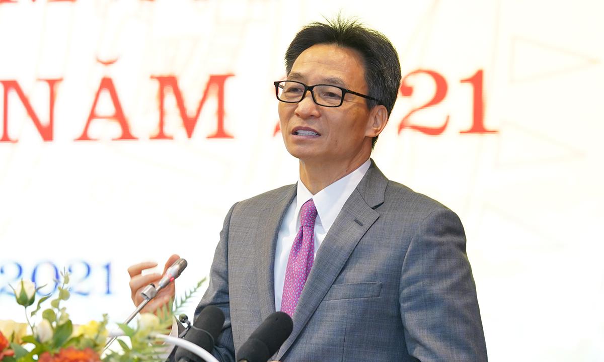 Phó thủ tướng Vũ Đức Đam phát biểu tại hội nghị hôm 12/1. Ảnh: Tuấn Bùi