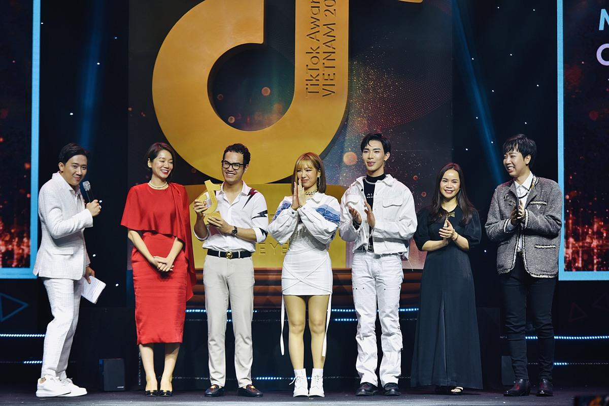 Với sức lan tỏa mạnh mẽ, ca khúc Ghen Cô Vy được vinh danh tại hạng mục Âm nhạc của năm. Ảnh: TikTok Việt Nam.
