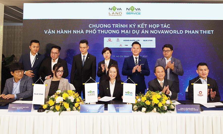 Chương trình kkết hợp tác vận hành shophouse tại NovaWorld Phan Thiet với các thương hiệu trong lĩnh vực F&B gồm Lotteria, Baskin Robbins, Hotpot Story, trà sữa Xingutang. Ảnh: Novaland.