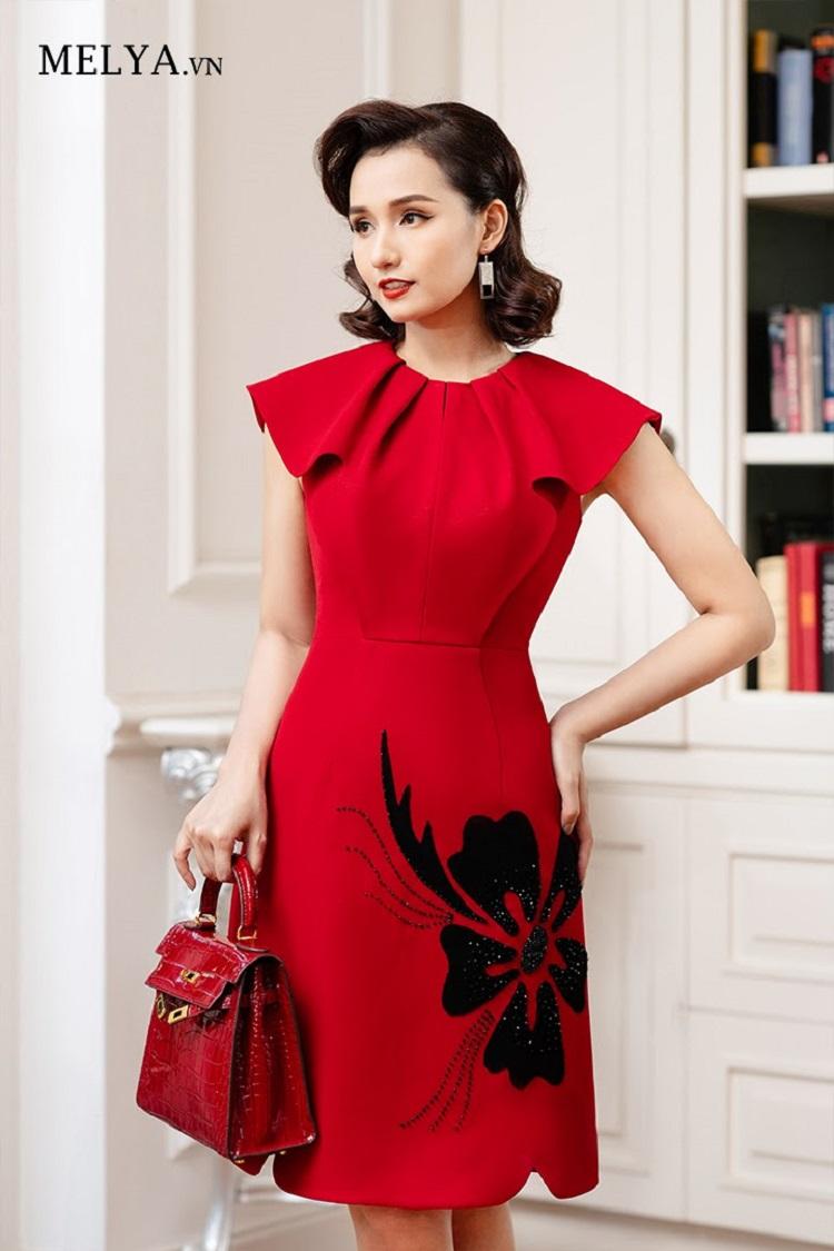 Thời trang MELYA.vn làm tôn lên vẻ đẹp hiện đại, sang trọng của người phụ nữ.