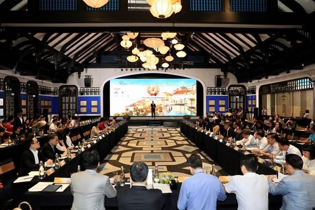 Toàn cảnh hội thảo Phú Quốc: Đón vận hội - Dẫn lối thành công do Sở Du lịch tỉnh Kiên Giang phối hợp với Tập đoàn Sun Group và Vietnam Airlines tổ chức