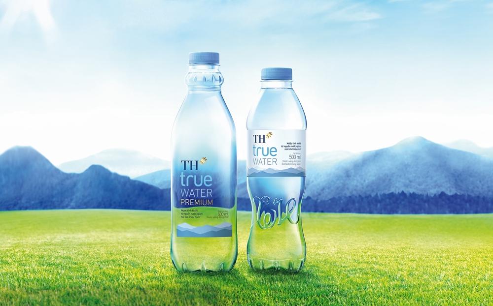 Sản phẩm nước đóng chai TH true Water.