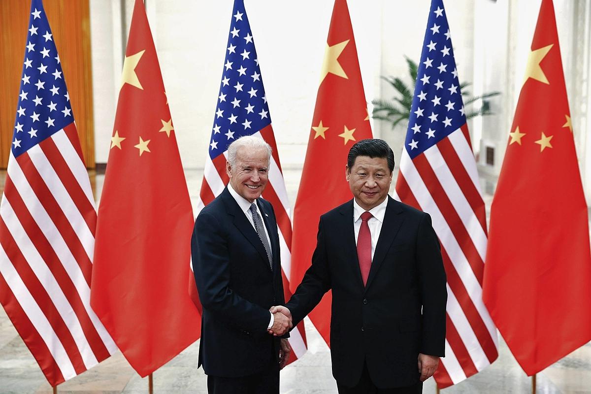 Joe Biden khi là Phó tổng thống Mỹ, gặp Chủ tịch Trung Quốc Tập Cận Bình năm 2013. Ảnh: Reuters