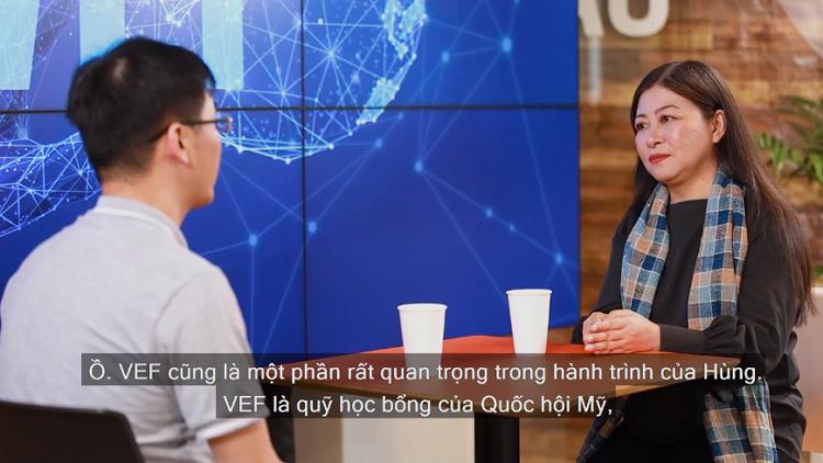 Host Nguyễn Phi Vân.
