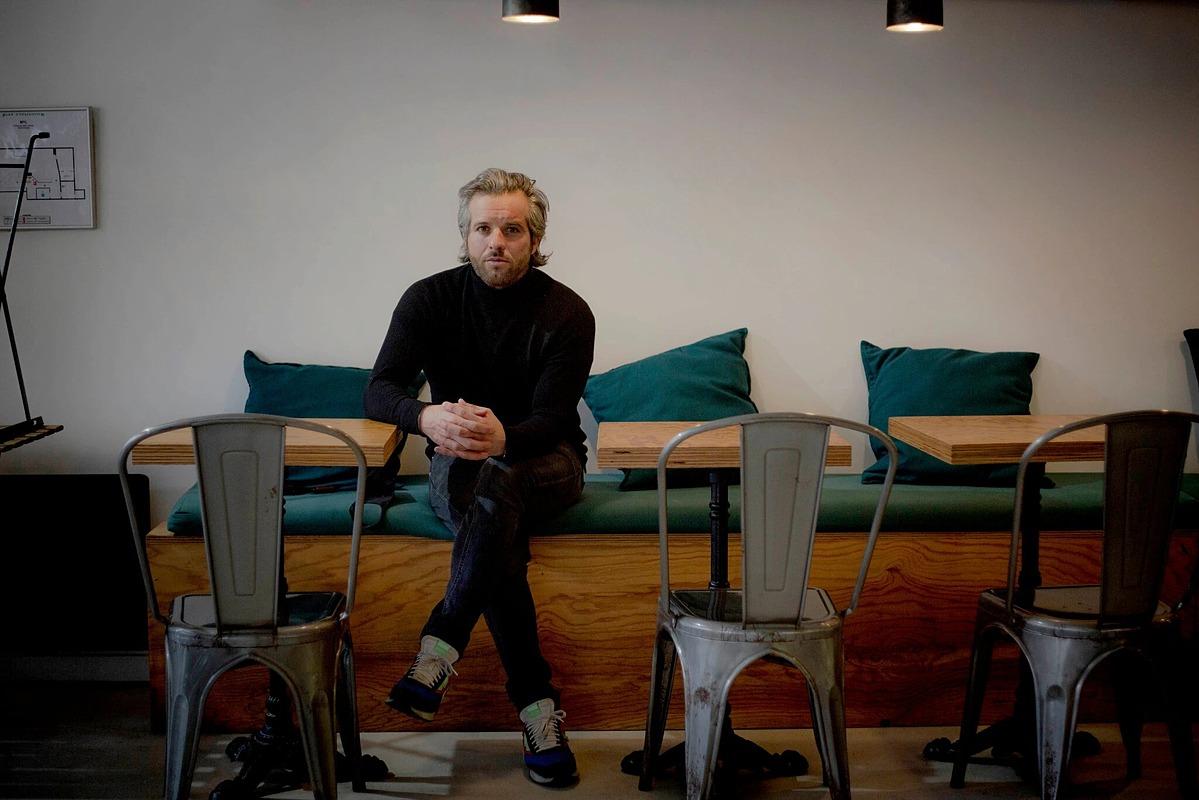 Romain Rozier, chủ hai nhà hàng tại Paris, Pháp. Ảnh: NYT.