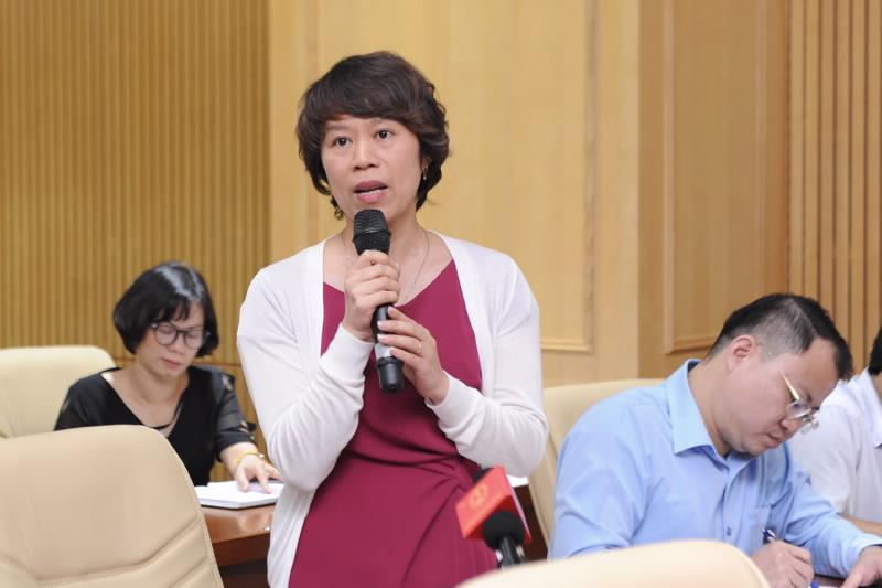 Bà Tạ Thị Phương Lan, Phó vụ trưởng Vụ quản lý thuế doanh nghiệp nhỏ, vừa và hộ kinh doanh (Tổng cục thuế) chia sẻ tại một hội thảo. Ảnh: MOF.