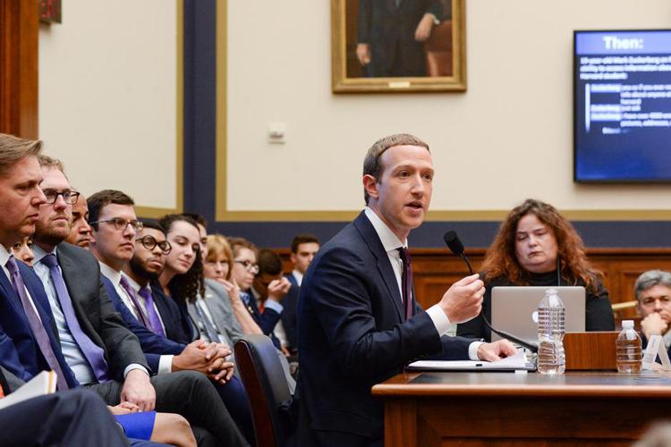 Mark Zuckerberg tại phiên điều trần năm 2019. Ảnh: Reuters.