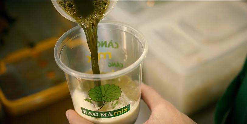 Rau má trở thành món thức uống được giới trẻ và dân văn phòng ưa chuộng. Ảnh: Rau Má Mix.