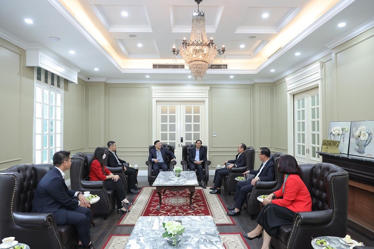 Lãnh đạo tỉnh Lào Cai và đại diện Alphanam khẳng định cùng nhau hợp tác phát triển bền vững.