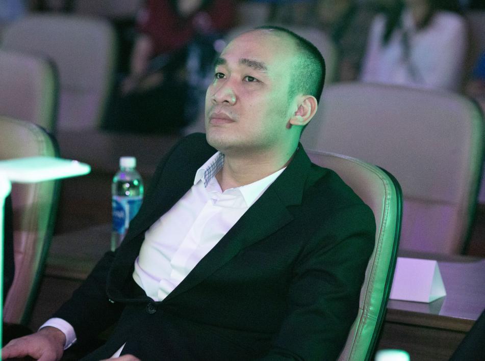 CEO Nguyễn Thái Hợp tham gia và tài trợ nhiều cuộc thi tìm kiếm tài năng khởi nghiệp cả nước.