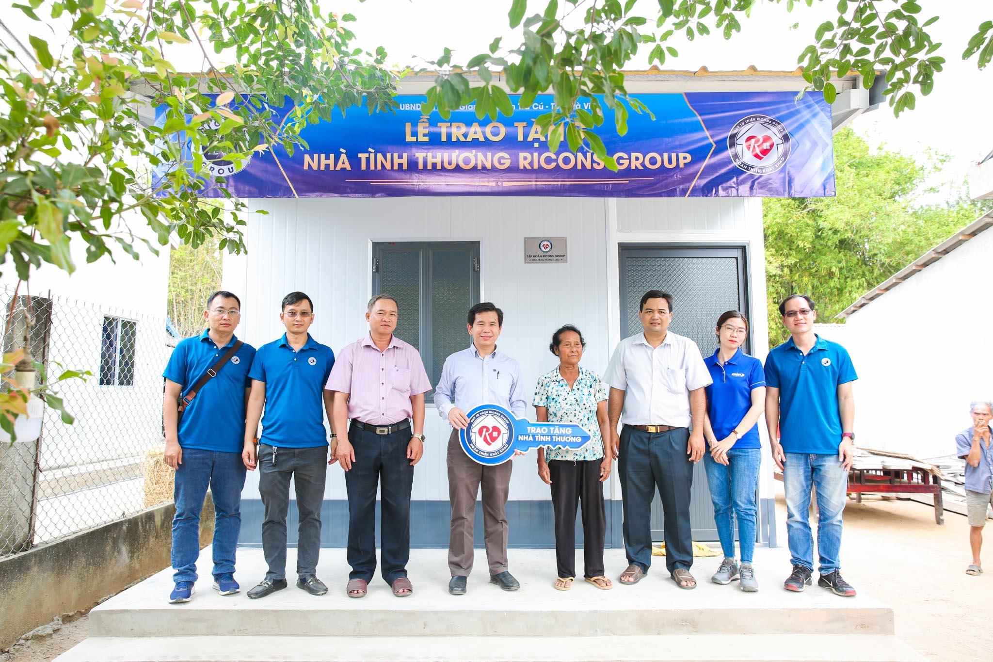 Ricons Group trao tặng nhà tình thương tại tỉnh Bến Tre. Ảnh: Ricons.
