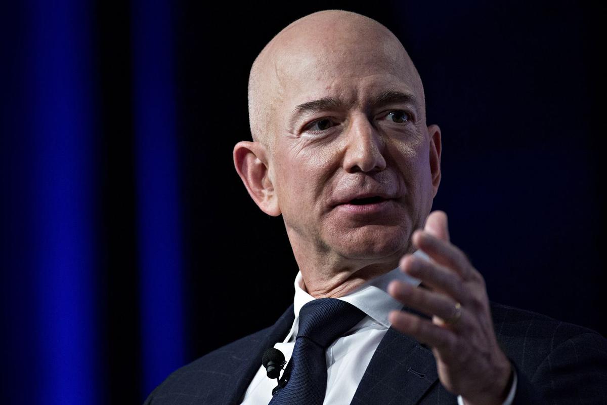 Jeff Bezos. Ảnh: Bloomberg