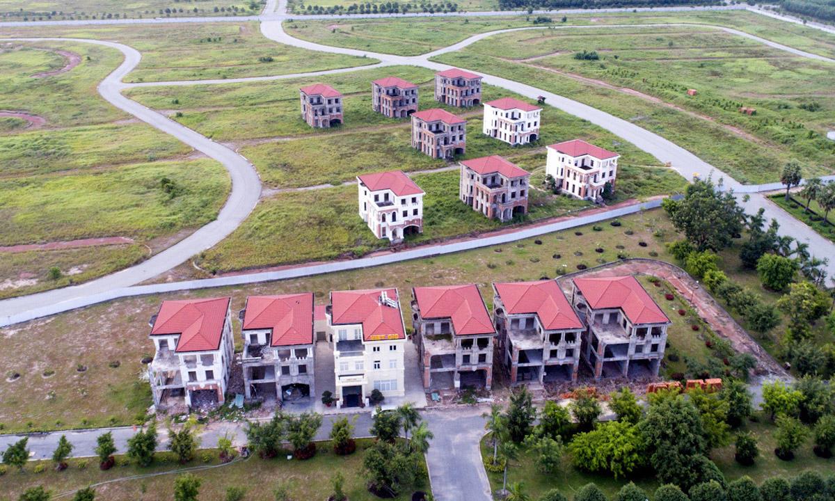 Thị trường bất động sản liền thổ: đất nền, nhà phố, biệt thự Bình Dương. Ảnh: Trần Quỳnh.