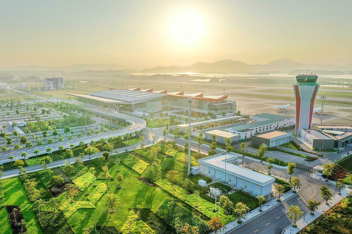 Gần 160 nhân viên sân bay Vân Đồn âm tính với nCoV - 4