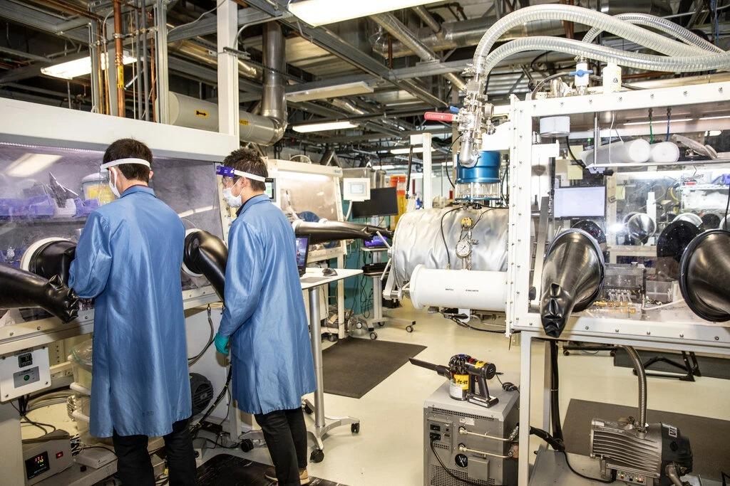Phòng nghiên cứu của QuantumScape, một startup về pin xe điện ở Thung lũng Silicon. Ảnh: NYT.