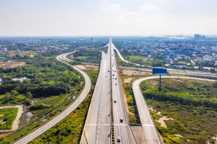 Cao tốc TP HCM - Long Thành - Dầu Giây dài 55 km, trong đó đoạn mở rộng có chiều dài 24 km sẽ mở rộng từ 4 làn xe hiện tại lên 8 làn xe trong năm 2021. Ảnh: Tập đoàn Đất Xanh.