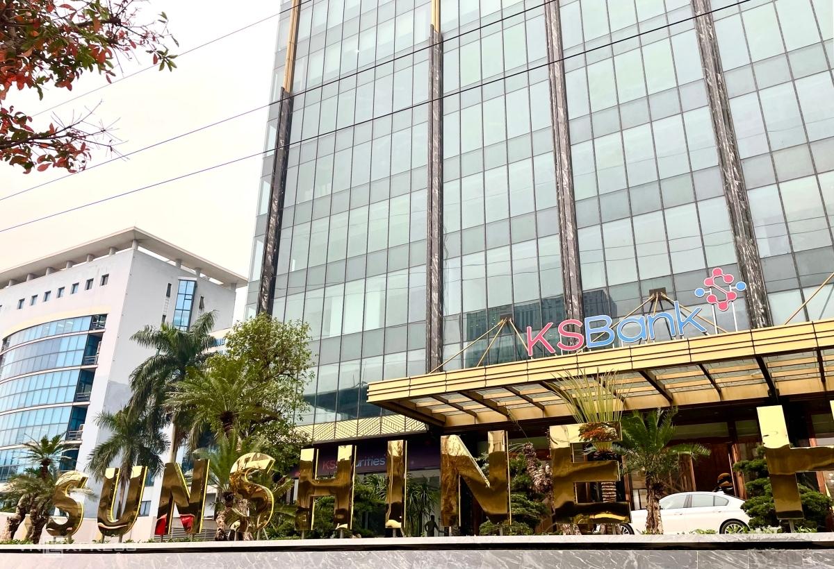 Logo KSBank bên ngoài tòa nhà Sunshine Center, 16 Phạm Hùng, Hà Nội. Ảnh: Minh Sơn.