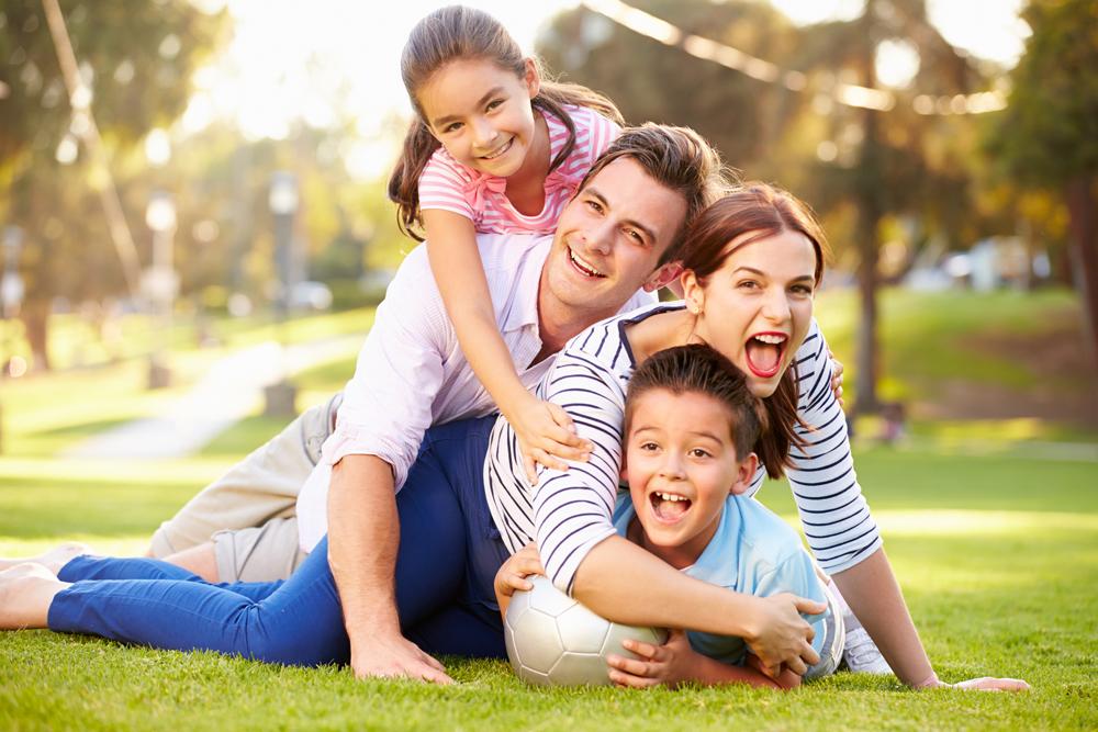 Bảo hiểm nhân thọ giúp gia đình chủ động phòng ngừa những rủi ro trong cuộc sống. Ảnh;