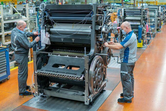 Công nhân làm việc trong một nhà máy ở Đức. Ảnh: Heidelberger Druckmaschinen