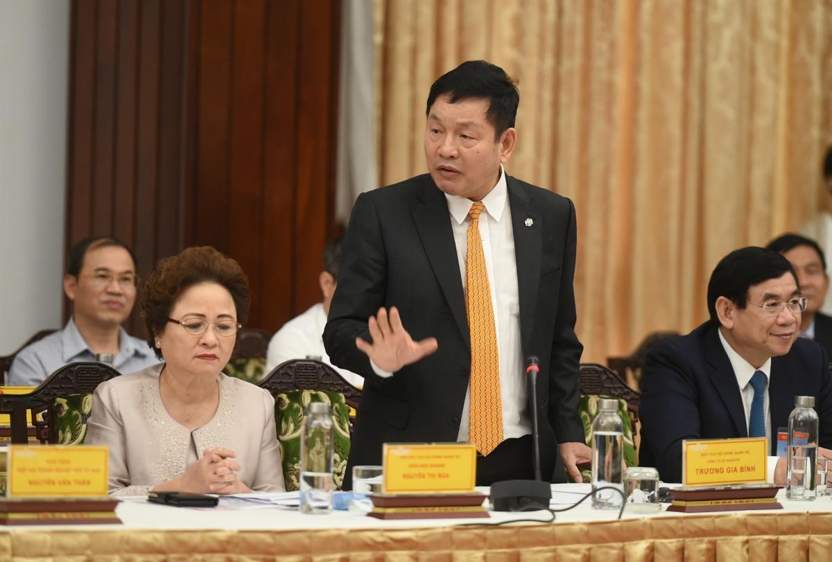 Ông Trương Gia Bình, Trưởng ban Nghiên cứu phát triển kinh tế tư nhân, Chủ tịch tập đoàn FPT tại Hội nghị chiều 6/3. Ảnh: VGP.