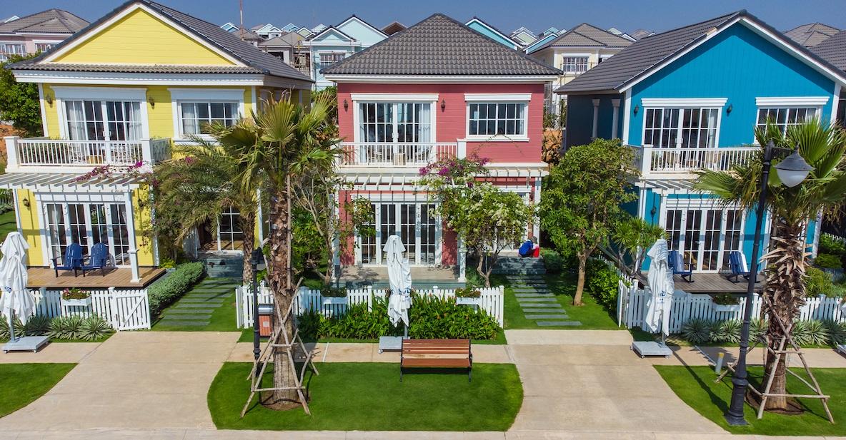 NovaWorld Phan Thiet, dự án quy mô 1,000ha của Novaland, đang thi công gấp rút để bàn giao các căn Biệt thự Florida đầu tiên vào tháng 03 này.