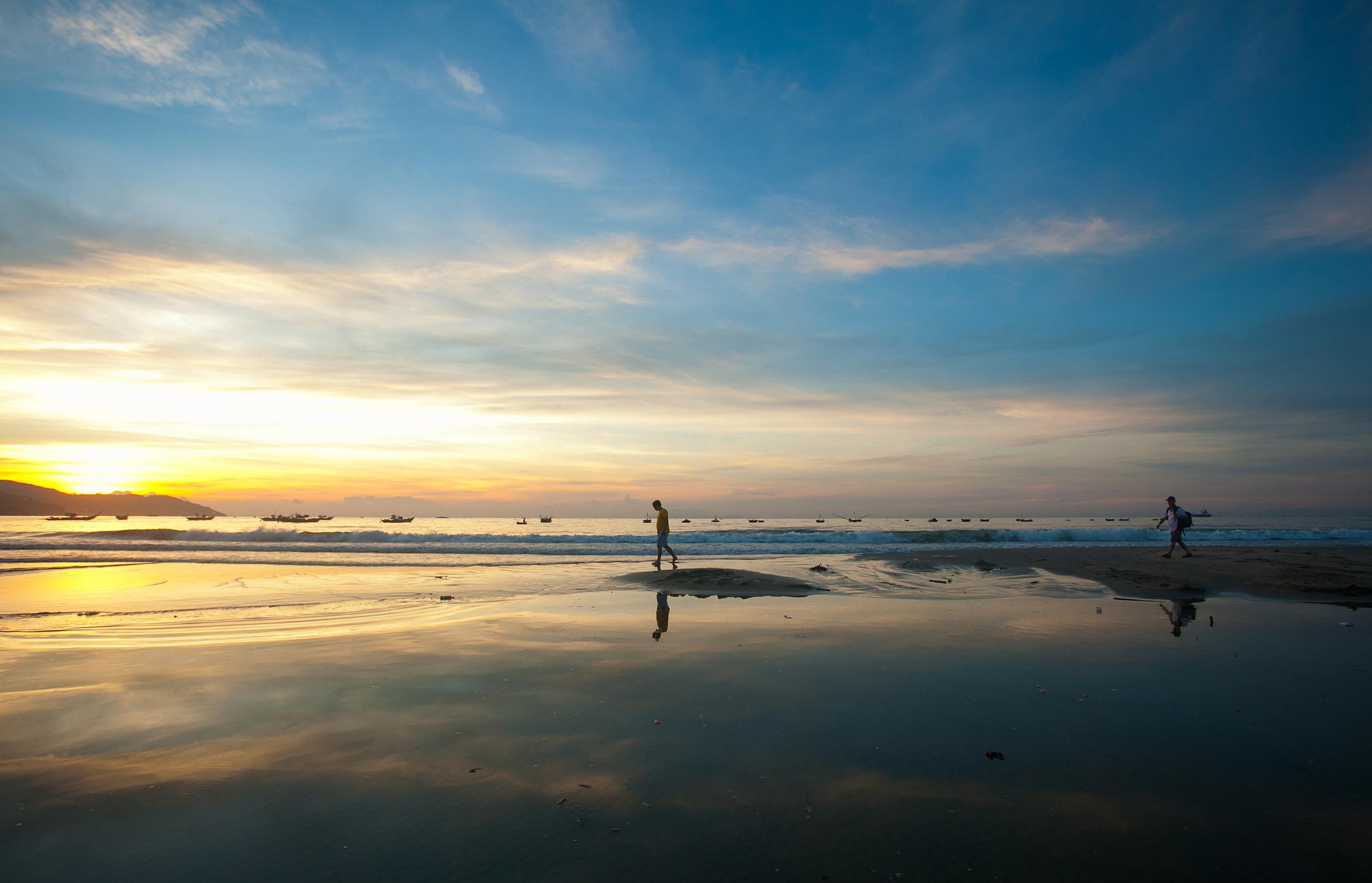 Vẻ đẹp nguyên sơ của bãi biển Hồ Tràm. Ảnh: Shutterstock.