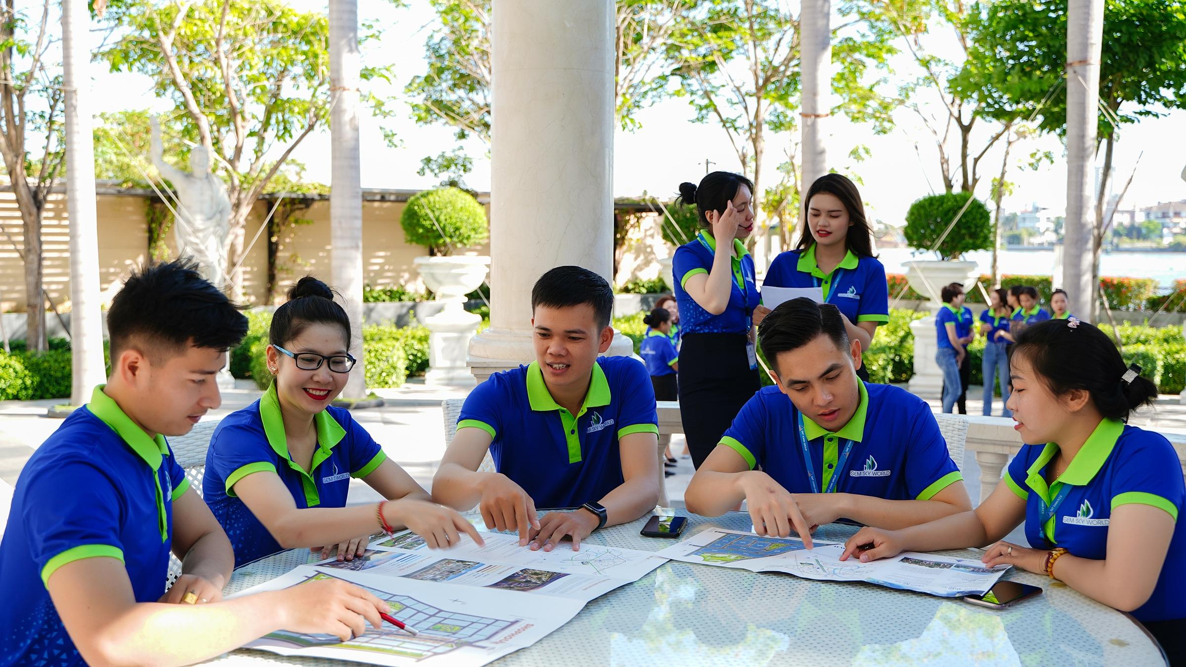Nhân viên kinh doanh Đất Xanh Services hưởng mức hoa hồng từ 50-85%, cao hàng đầu thị trường. Ảnh: Đất Xanh Services.