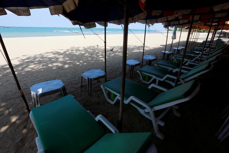 Một khu du lịch vắng vẻ tại Pattaya (Thái Lan) trong đại dịch. Ảnh: Reuters