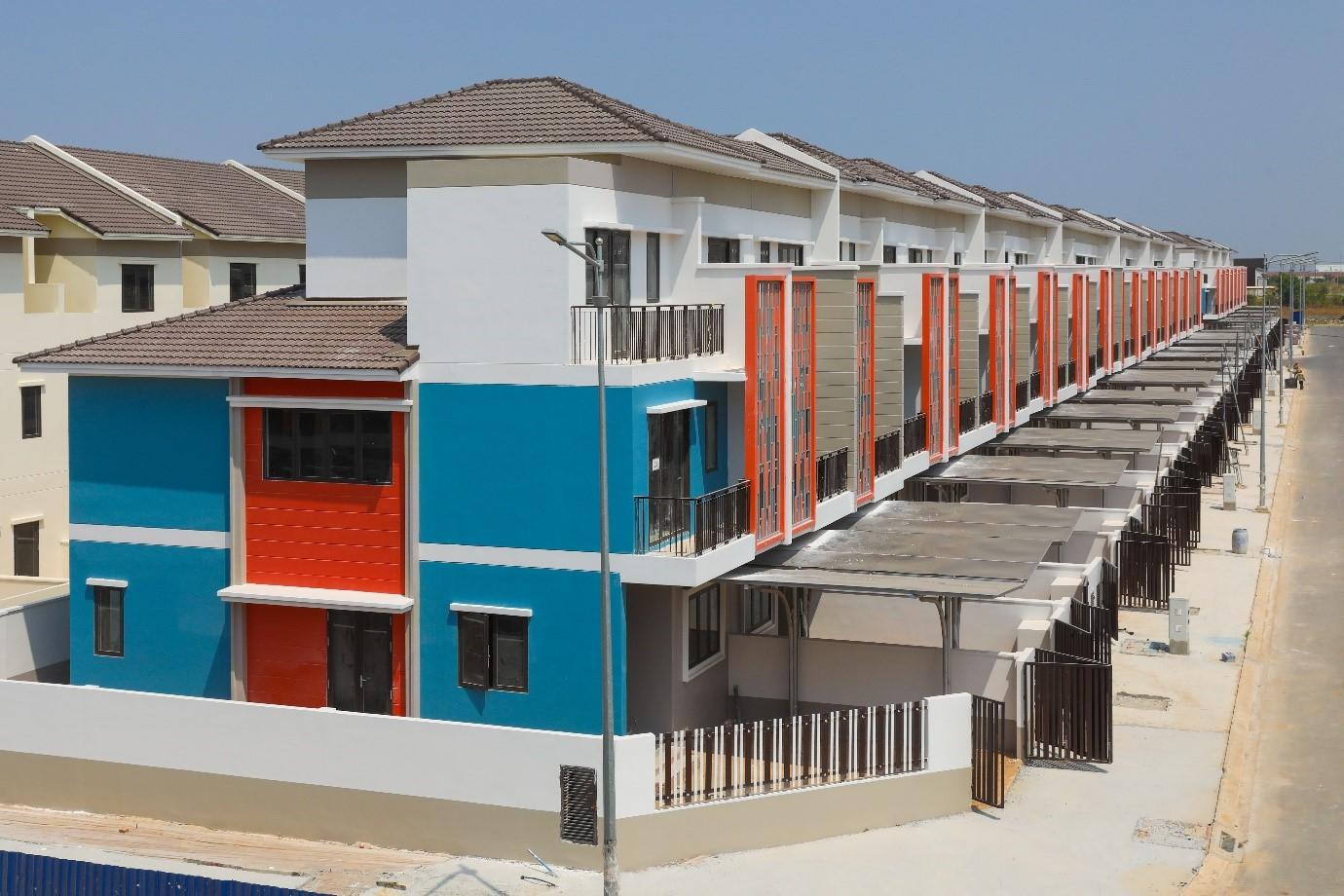 Nhà phố liền kề đang được thi công tại Dự án Sun Casa Central, ảnh: Quỳnh Trần