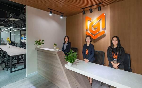 Đội ngũ hỗ trợ tại văn phòng Mogivi.