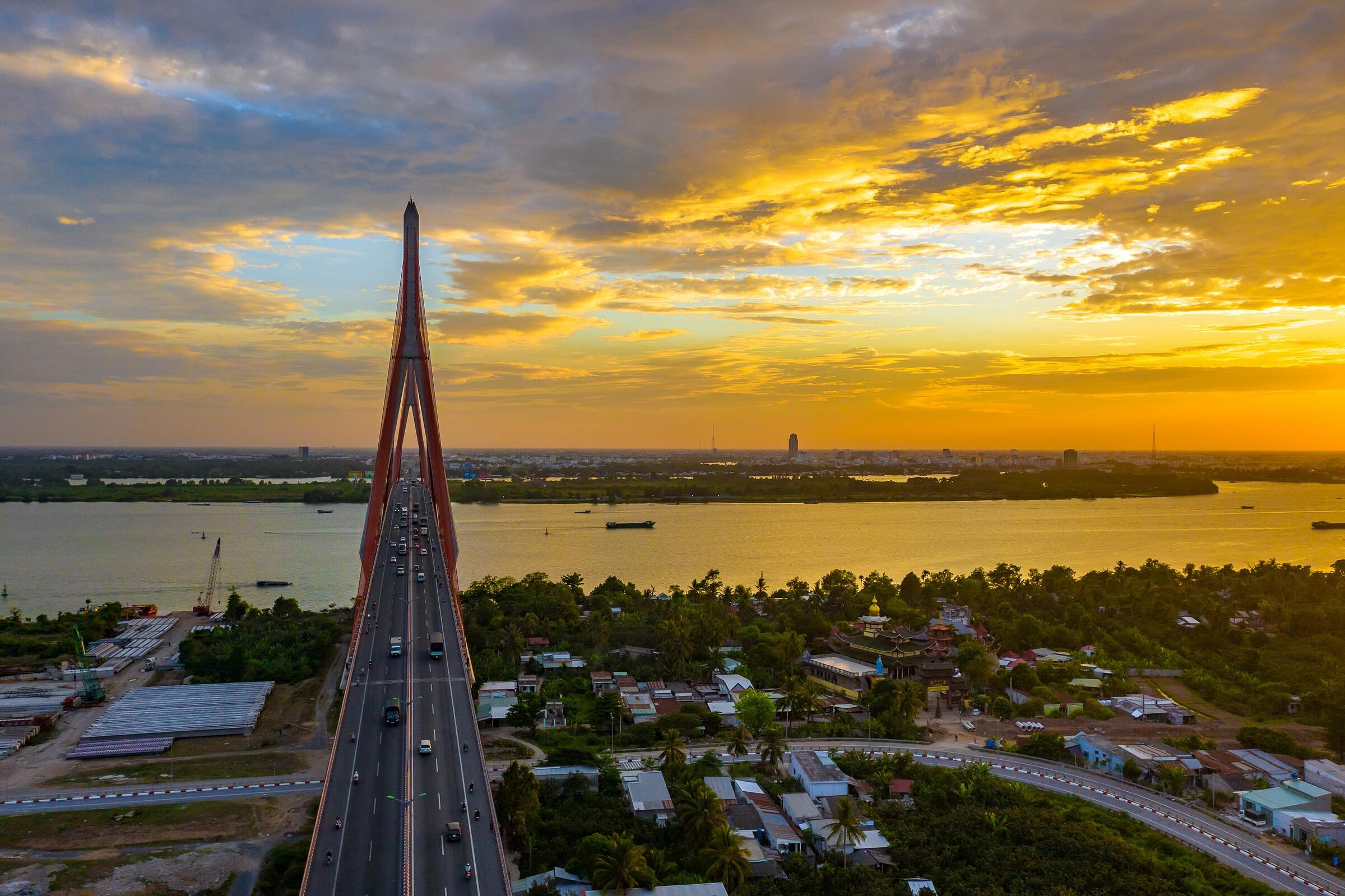 Cầu Cần Thơ trên Quốc lộ 1. Ảnh: Shutterstock.