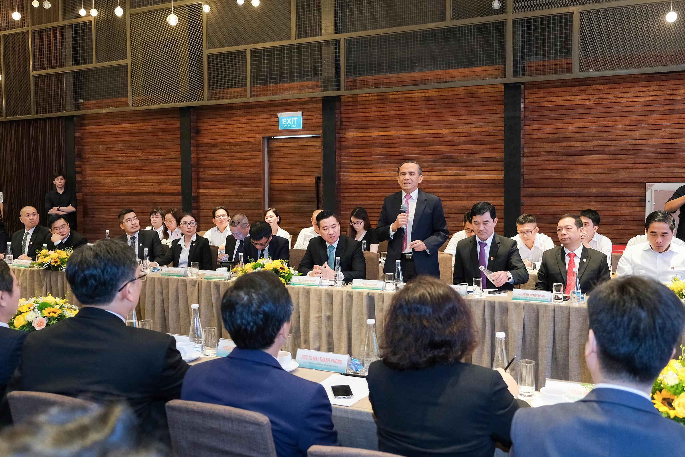 Ông Lê Hoàng Châu - Chủ tịch Hiệp hội Bất động sản TP HCM dự sự kiện ký kết và góp ý trong phiên thảo luận hợp tác. Ảnh: Tập đoàn Hưng Thịnh.