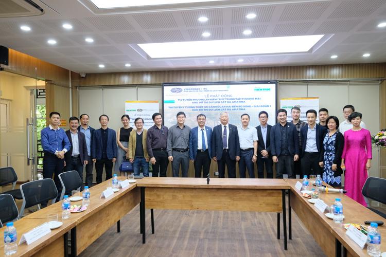 BTC cùng đại diện các công ty kiến trúc và 2 trường đại học Xây dựng và đại học  Kiến trúc Hà Nội
